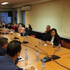 50 млади българи стават депутати за един месец в ПГ на