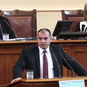 Филип Попов: Демокрацията загуби под напора на диктатурата