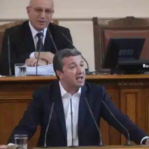 Драгомир Стойнев: Има близо 900 осъдени, които са в момента на свобода и институциите са неспособни да ги арестуват