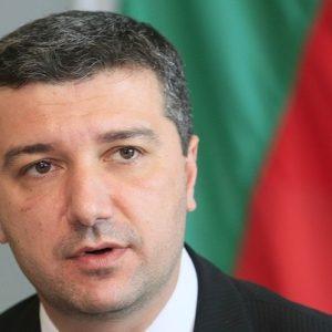 Драгомир Стойнев към управляващите: Защо бързате да гласуваме закон, който трябва да бъде променен?