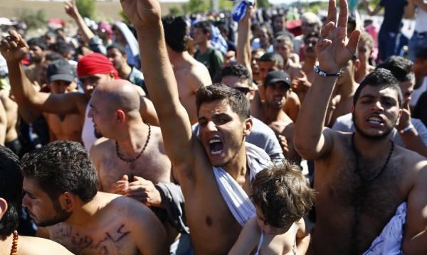 1000 ислямисти блудстват, грабят и изнасилват в Кьолн, 100 се колят у нас в София