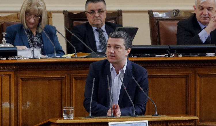 Драгомир Стойнев: Обезщетението за отглеждане на деца от 1 до 2 години трябва да се обвърже с минималната работна заплата