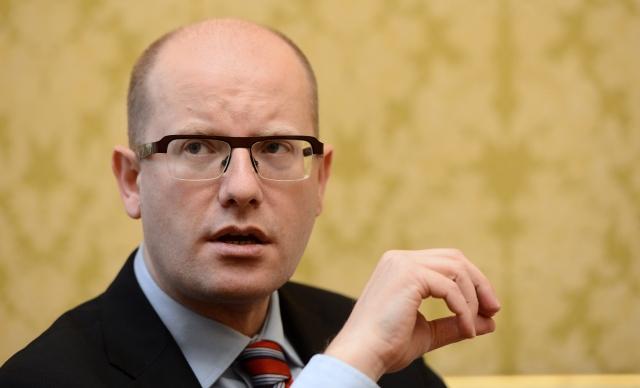 Чехия обвини Германия, че насърчава миграцията