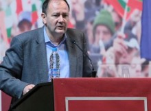 Михаил Миков: Докато някой не зачеркне социалната държава, записана в Конституцията, тя ще стои като цел пред всички нас