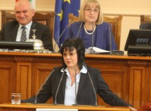 Корнелия Нинова: Против сме не само промяната в кабинета, против сме и това правителство. Изходът е предсрочни избори