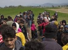 Бежанците в Гърция масово отказват да дойдат в България