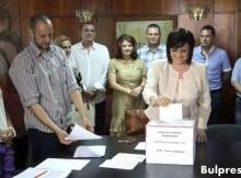 Корнелия Нинова: Гласувах за победа на левицата на предстоящите президентски избори