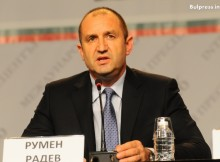 Бивш командир от ВВС на път да разбърка българската политика