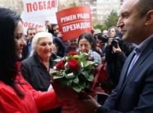 Не е за вярване! Румен Радев победи с една шкода и един микробус машината на Цветанов