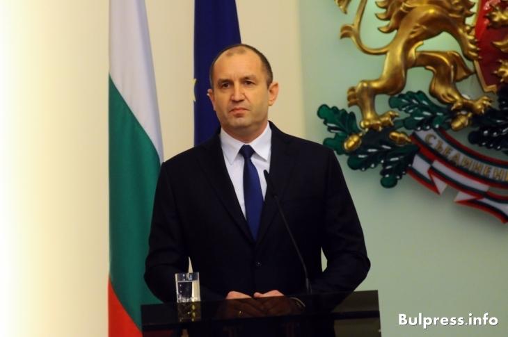 Радев пред Euractiv: Не виждам каква е ползата от санкциите срещу Русия