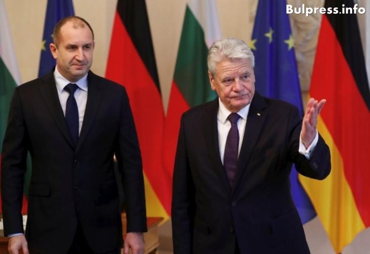 Президентът на Германия със знакова реч към Радев: Сега Ви моля да вдигнете с мен чаша за бъдещето на Европа, в което България ще играе важна роля!
