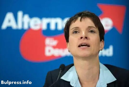 Германският националист №1 отиде в Москва при хора на Путин