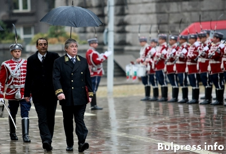България в полезрението на Вашингтон и Москва! Тръмп или Путин – кой ще дойде пръв у нас?