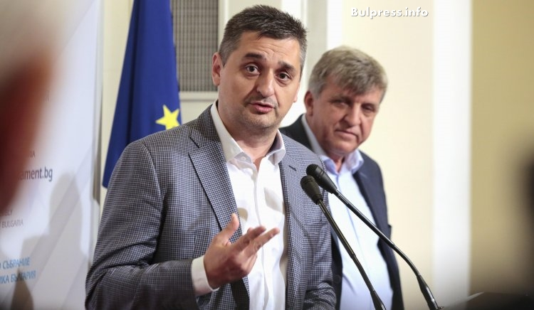 Кирил Добрев: В АПИ са уговаряни обществени поръчки за десетки милиони. Кой ще понесе политическа отговорност?