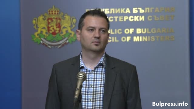 Скандално е бездействието на премиера Бойко Борисов, който се прави, че няма проблем