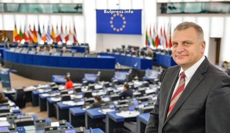 Петър Курумбашев: Да не се спекулира с темата за социалните права, за да се преразпредели пазарен дял при шосейния транспорт