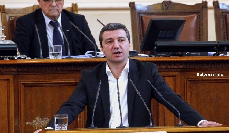 Драгомир Стойнев: Всички парламентарни сили подкрепиха нашата декларация за Македония