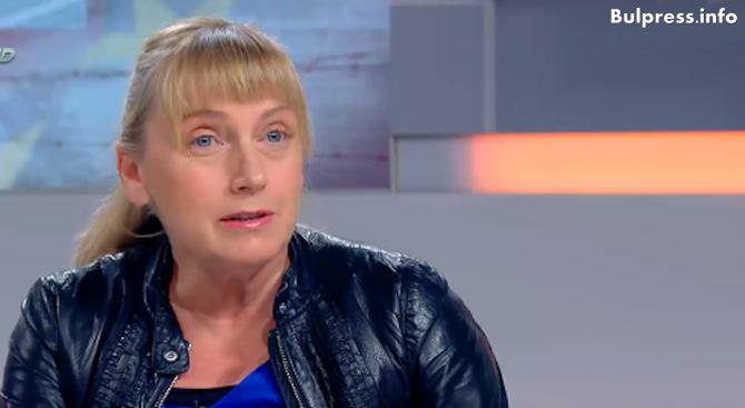 Елена Йончева: Задкулисно са правени договорките за новото правителство