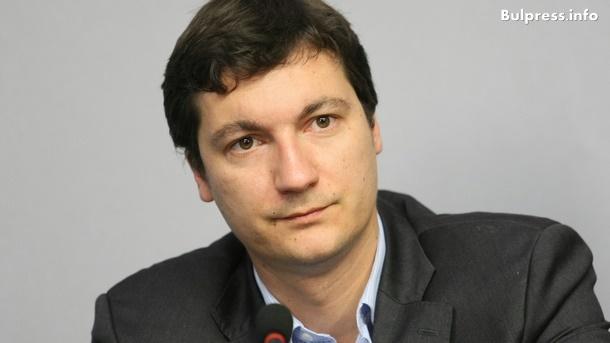 Крум Зарков: Румен Радев се превърна в държавника, от когото българите имат нужда