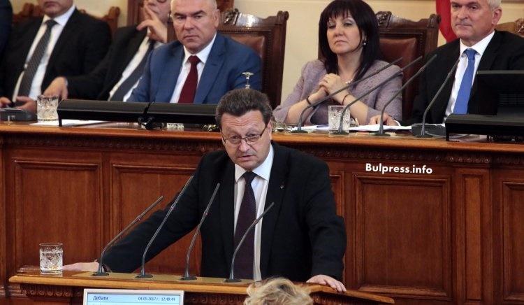Таско Ерменков: Недопустимо е министърът на образованието да сравнява български период с хитлеризъм и фашизъм