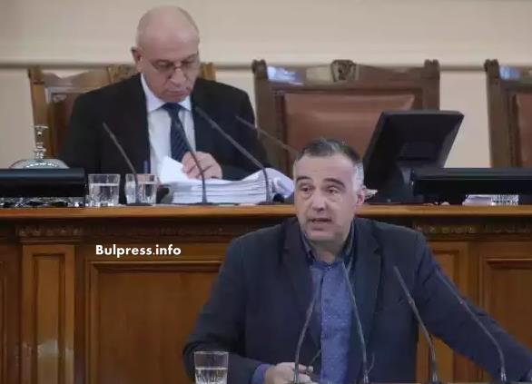 Антон Кутев: Културният чек поправя дефект в образованието- създаването на ценностни нагласи