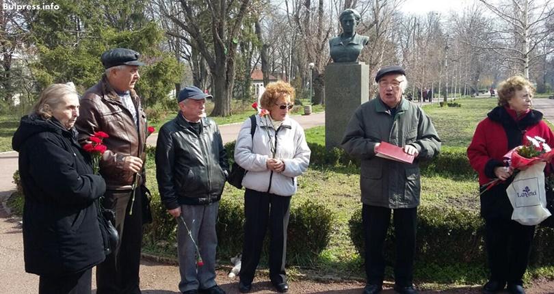 Шуменските социалисти почетоха паметта на Вела Пискова