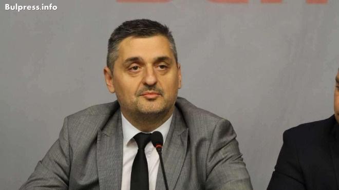 Кирил Добрев: Баба Мара-Пушката е огледало на импотентното ръководство на МВР