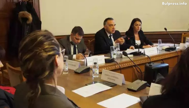 Антон Кутев: Подкрепяме въвеждането на задължителни квоти за българска музика