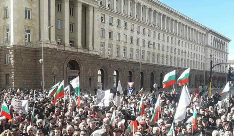 Елена Йончева: ГЕРБ ни превръщат в заложници