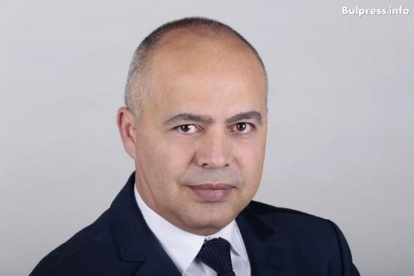 Георги Свиленски: МВР купи 300 нови автомобили, които не може да използва за пътен контрол