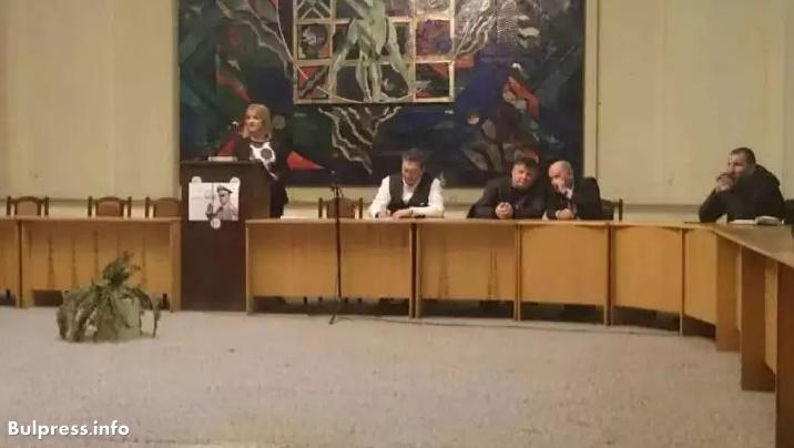 Ерменков в Добрич: Подписката за ЧЕЗ има огромно морално значение, за да покаже, че хората в България не спят