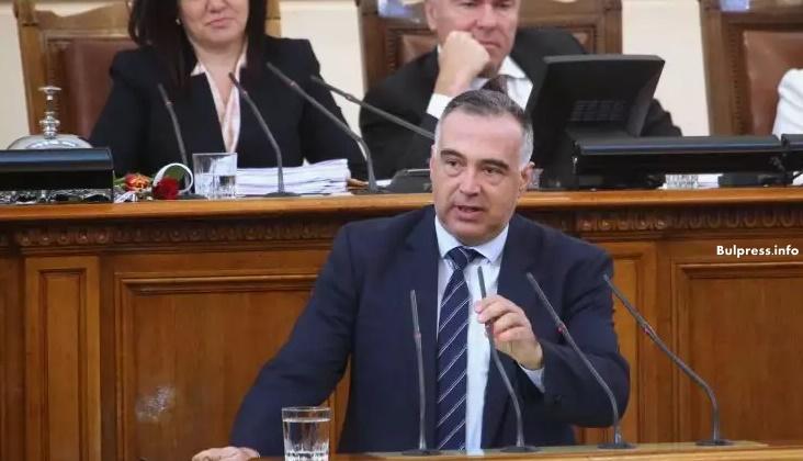 Антон Кутев: Държавата блести с отсъствието си и хората го виждат