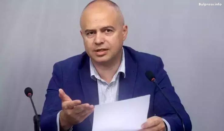 Георги Свиленски: Българските превозвачи бяха предадени от премиера и министъра на транспорта