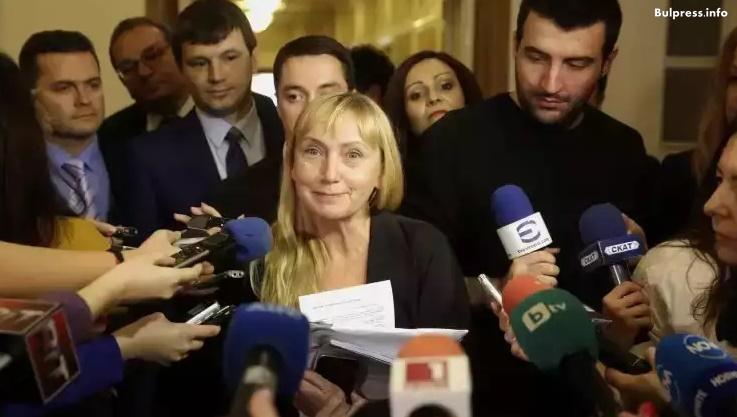 Елена Йончева: Бойко Борисов е осъден за клевета! Има документи