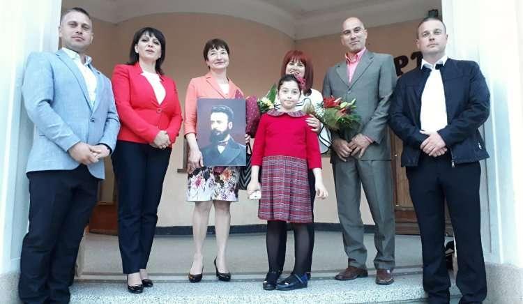 """Николай Тишев и Веска Ненчева присъстваха на 150-годишния юбилей на СУ """"Христо Ботев"""" в Айтос"""