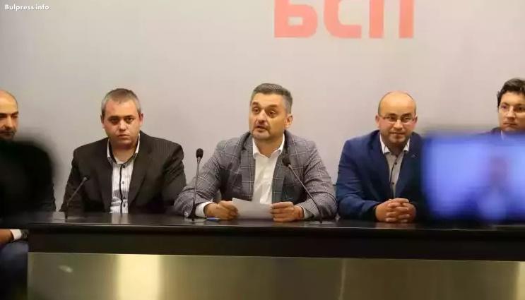 Кирил Добрев: Избирателят е вече като сезонен работник – регистрира се за избори в различни населени места
