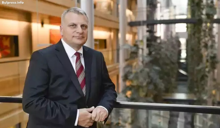 Петър Курумбашев: Изказването на Манфред Вебер относно позицията на ЕНП за българските превозвачи е абсолютна лъжа