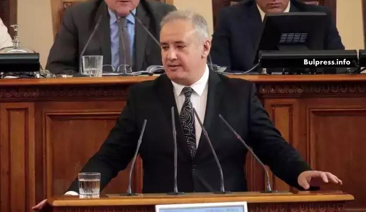 """Атанас Костадинов: Трябва да отпадне мораториумът върху АЕЦ """"Белене"""""""