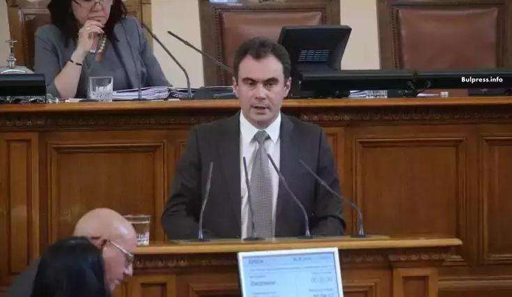 Бойчев: Законопроектът за горивата трябва да се бори с контрабандата, а не да преурежда отношения в сектора
