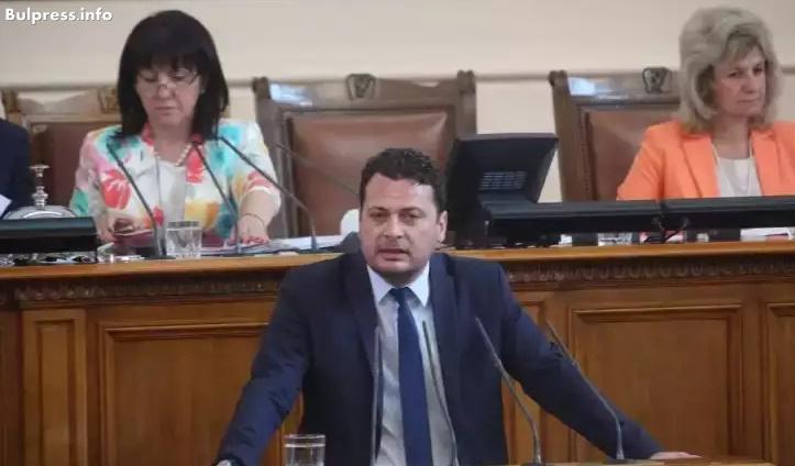 БСП отново поиска министрите Радев и Цачева да дойдат в парламента заради поредното бягство от затвора