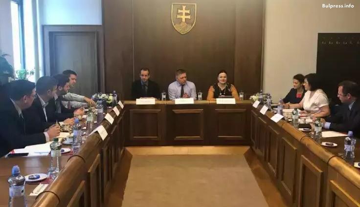 Корнелия Нинова в Словакия: Да се обединим и да се опитаме да постигнем в Съвета на ЕС блокираща квота за пакета за мобилност