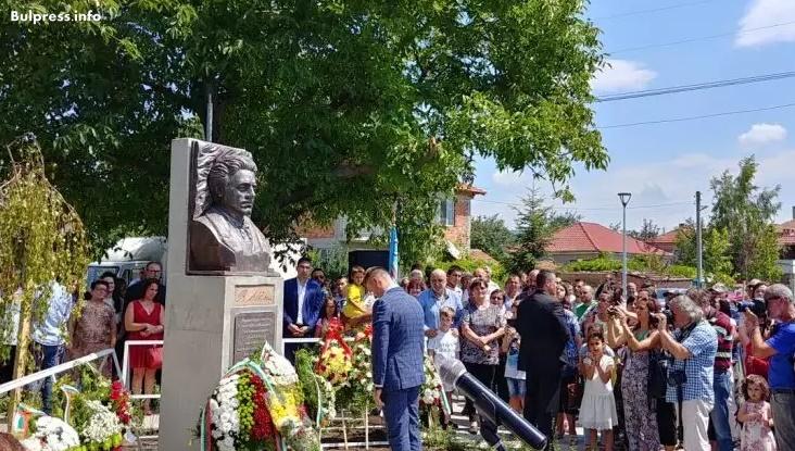 Кирил Добрев: Най-важна е паметта, която носим и предаваме на поколенията
