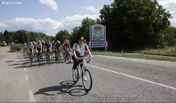 Корнелия Нинова дава старт на колоездачната обиколка до връх Шипка
