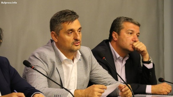 Кирил Добрев за катастрофата край Своге: Корупцията вече убива