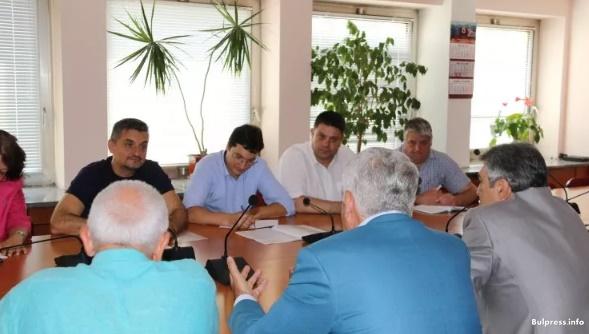 Кирил Добрев: Трябва да подкрепим реалната икономика, за да можем да правим социална политика