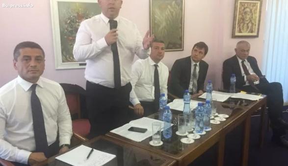 """Драгомир Стойнев: Във """"Визия за България"""" сме заложили на ефективен начин на управление на държавните предприятия"""