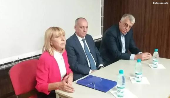 """Академичните среди във Варна обсъдиха """"Визия за България"""" с депутати от левицата"""
