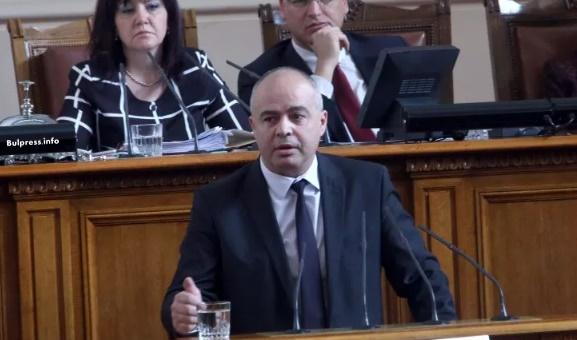 Георги Свиленски: Има трима нови министри, но не и промяна в политиката на правителството