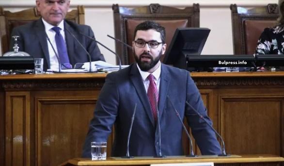 Стоян Мирчев: Министерските оставки са нищо повече от гърмене на бушони