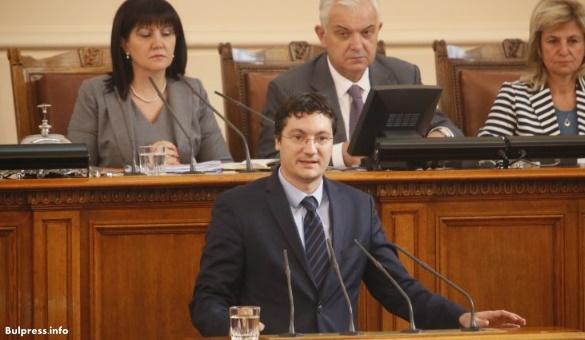 Зарков: Ветото на президента трябва да бъде подкрепено, а спорните тестове обсъдени. От това зависят правата на хората